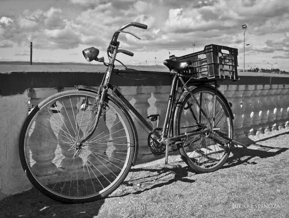 Bicicleta olvidadad en el tiempo